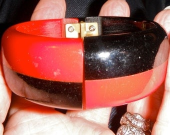 HUGE SALE hinged clamper vintage bakelite bangle bracelet laminated red black