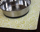 Pet Placemat Large size in yellow squiggles