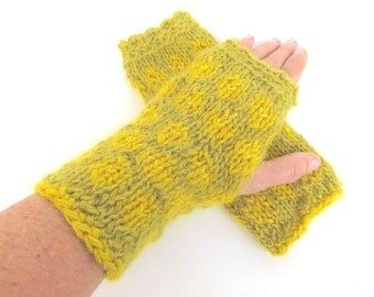 """Mittens """"Madrid"""", pure wool, Wensleydale, mohair, Ahimsa Silk, seed beads, handspun, plant dyed, knitted, green, yellow, OOAK, one of a kind"""