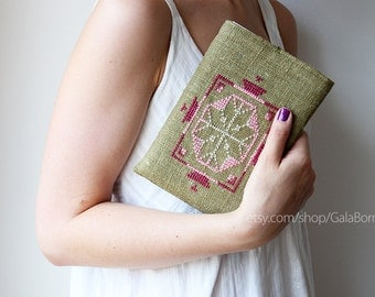 iPad mini case, iPad mini sleeve, Tablet case / Hand embroidery Linen