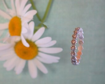 "Sterling Silver ""Daisy Chain"" Ring."