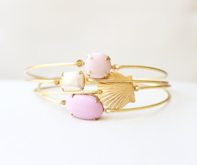 Brass Pink Sea Shell Bangle Set, Ocean Bracelet, Beach Bracelet, Beach Jewelry, Charm Bracelet, Stackable Bangle