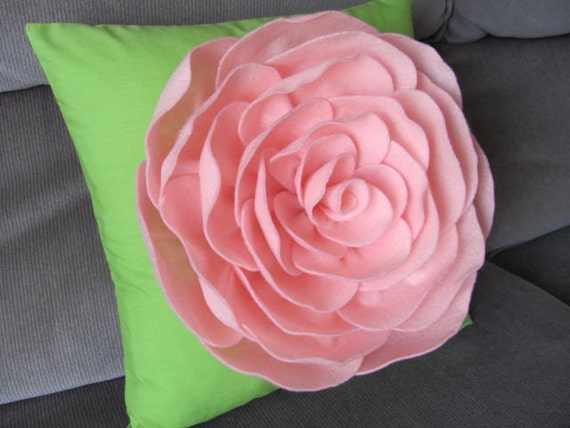 Items similar to Suzannah Rose Flower Pillow Pattern Felt ...