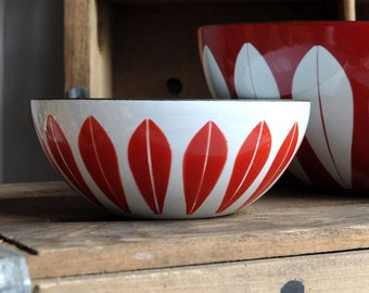 SALE 25% OFF! RARE Cathrineholm Lotus Bowl - True Red - 5 1/2""