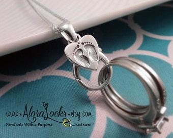 AloraLocks Expectant Mommy Baby Feet Wide Ring & Charm Holding Pendant
