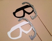 Bride and Groom Photo Booth Prop Set - Set of 2 Scuba Masks with GLITTER Snorkles - Weddings, Parties - Fun Photobooth Props