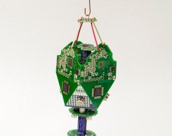 Data Ornament v.IC6