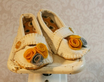 Vanilla baby shoes-ochre and gray rosettes-wool felt infant crib shoes- -soft soled baby booties-button closure-hand made
