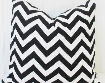 Black Pillow.Decorative Pillow.Throw Pillow.Black and White Zig Zag.Chevron.Cushion Cover.Black Pillow Cover.Home Decor.Housewares