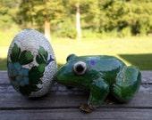 Vintage Cloisonne Egg / Cloisonne Frog / Home Decor / Oriental / Asian / Egg / Frog / Home Decor Beach House