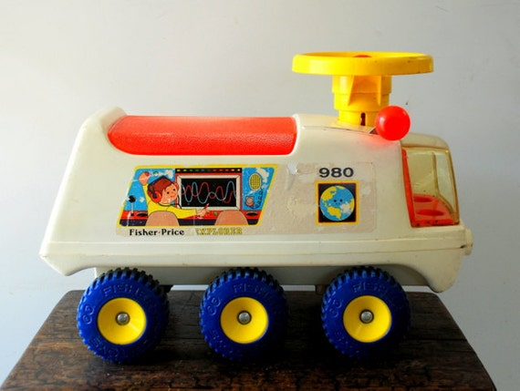 vintage fisher price fire engine vintage free engine. Black Bedroom Furniture Sets. Home Design Ideas