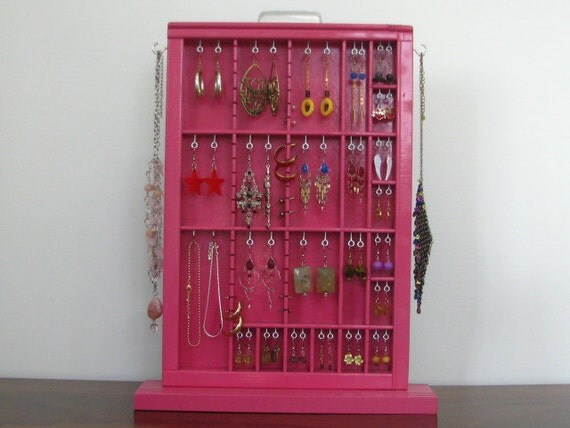Jewelry Display Case in Berry Pink