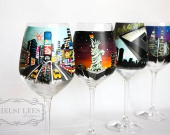 Hand Painted Wine Glass : New York - NY-  Set of 4