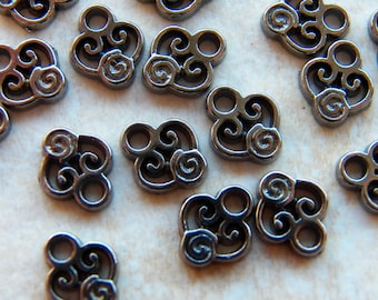 10x8mm Fancy Gunmetal Heart Charm Pendants - Links - Connectors, 50 PC (INDOC182)