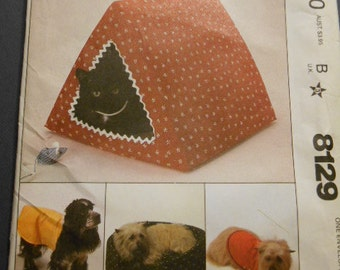 "McCalls 8129, Cat Beds, Dog coats- 14""-15"""
