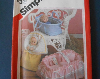 "Simplicity 6056,  Doll Carriers, Buntings,  up to 18"" long"
