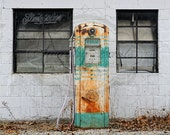 NEW ITEM 5ft x 5ft Vinyl Photography Backdrop / Rusty Gas Pump
