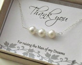Mother in law pearl bracelet freshwater pearls cultured pearl simple elegant thank you mom gift mother of the groom mog bracelet wedding