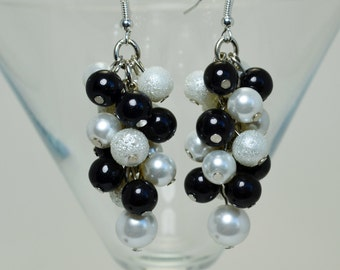 Black and White Cluster Earrings, Pearl Cluster Earrings, Pearl and Crystal Jewelry, Bridesmaid Earrings, Chunky Earrings, Pearl Jewelry