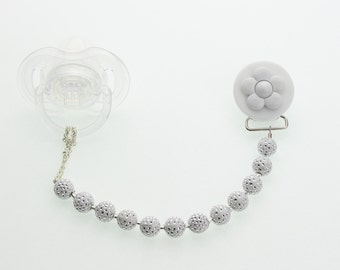 White Daisy Pacifier clip with matching Acrylic  Beads (CPWD)(MSRP 24.00)
