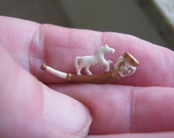 1:12th Smoking Pipe with a Horse for the Dolls House