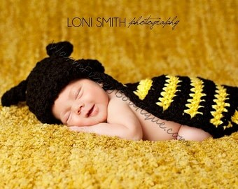 Bumble Bee & Cape in Black Yellow - Animal Baby Newborn Cap Costume Halloween  Winter Outfit