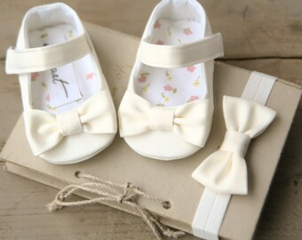 Baby girl baptism shoes and headband, WHITE, IVORY or CREAM christening shoes, bow shoes, baby wedding shoes, flower girl shoes