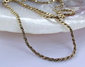 Huge reduction. 9 kt gold chain. 7 g  Beautiful vintage chain. Sale price