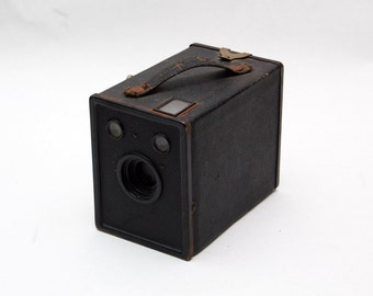 Vintage / Antique Camera Agfa B-2 Cadet this one is a little worn. #2