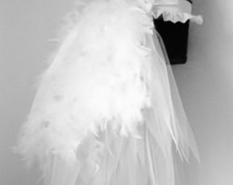 White Swan Burlesque Bridal Bustle Belt size US 2 4 6 8  10 UK 6 8 10 12 14