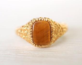 SALE .1980's vintage Tiger Eye 9k yellow gold signet ring/ gemstone ring // Strength