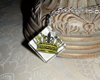 Crown and Fleur de Lis Print Diamond Glass Pendant Necklace