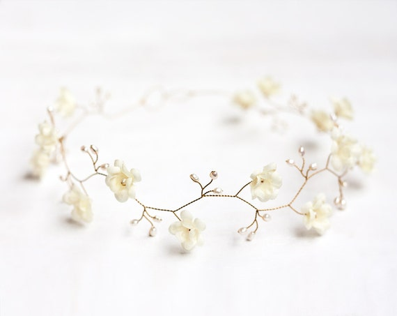 Ivory wedding headband, Pearls. Wedding hair accessory, ivory floral crown, Gold tiara, Bridal crown, Flower crown, Bridal crown.