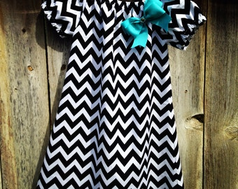Chevron Print Peasant Dress in Black