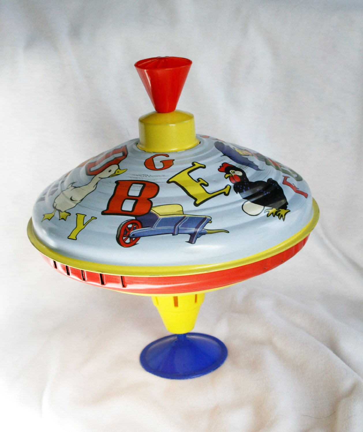 Toy Spinning Top : Vintage metal top spinning toy made in china