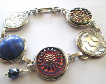 Vintage button bracelet. Sunflower button. Glass buttons, silver links. One of a kind
