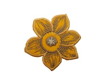 ID #6128 Yellow Daffodil Flower Plant Garden Iron On Embroidered Patch Applique