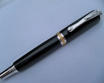 Jr. Statesman II Fountain Pen - Rhodium and Gold - M3 Black Lava