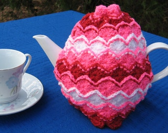 UK & Australian terms pattern for a crochet tea cosy in Bavarian stitch. Easily adapted to fit any size of teapot. Instant download.