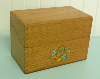 NICE Vintage OAK Wooden Recipe File Box w/ Vintage Decal, Dove Tailed, w/ Recipe Dividers - Vintage Home and Travel Trailer Decor