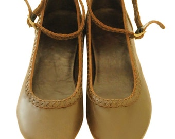 ELF. Brown leather flats / brown leather shoes / womens flat shoes / ballet flats. Sizes eur 35-43. Available in different leather colors.