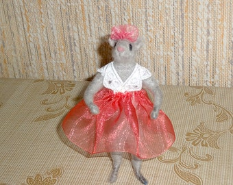OOAK Woolen Miniature Sculpture - Little Mouse Girl - Needle Felted