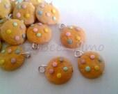 Dotty cookie charm (2)