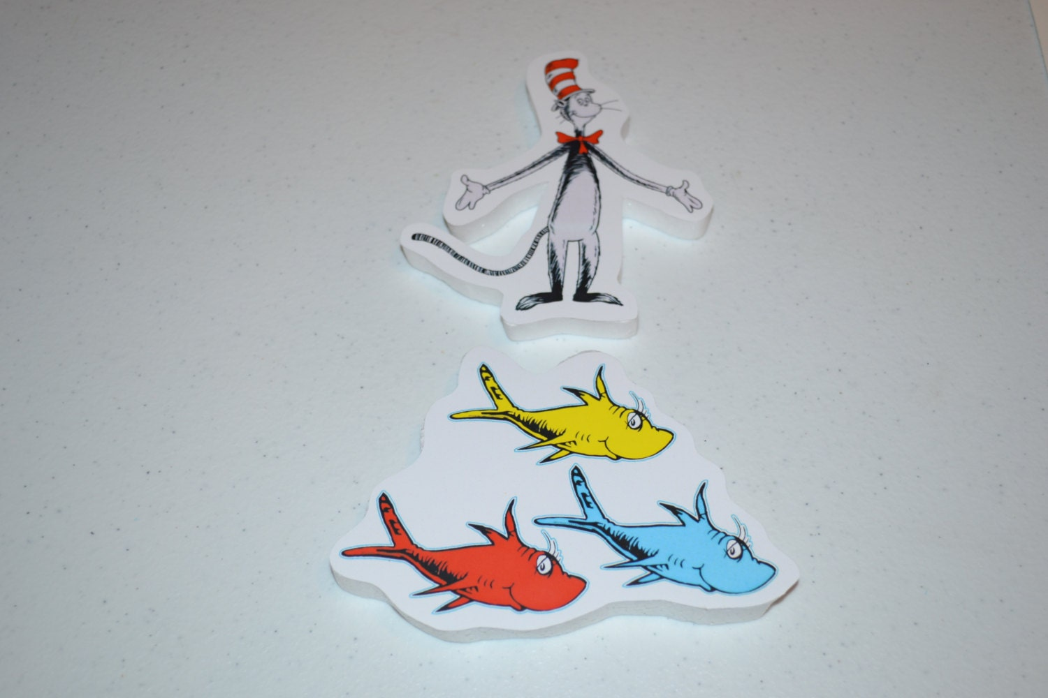 Dr seuss 39 cat in the hat or one fish two fish three fish for Cat in the hat fish