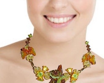 Clusters and lustres necklace