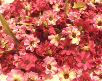 40 piece mix of burgundy and pink fabric flower heads, 17 mm (A3)
