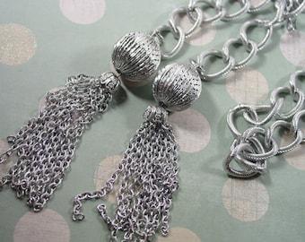 1993 Avon convertible Belt / Necklace  silver tone