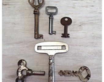 Vintage key collection / skeleton keys / old keys / vintage keys /  vintage office / vintage home decor