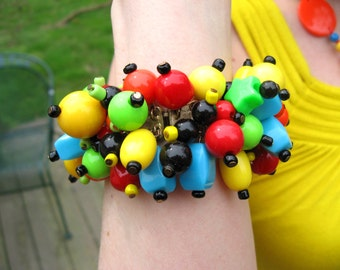 Beaded Stretch Bracelet Vintage Red Orange Turquoise Yellow Green