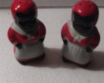 Vintage black Americana salt and pepper shakers, a wonderful piece of Ameicana